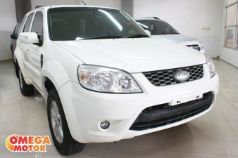 mobil bekas FORD ESCAPE XLT 2.3 AT SUNROOF KM 37.000