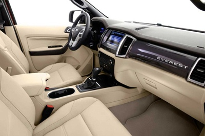 Interior-Ford-Everest-Indonesia-2015-728x485