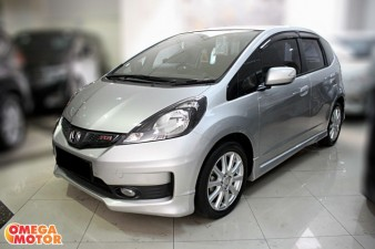 mobil bekas H. ALL NEW JAZZ RS 1.5 AT (KM 17.000)