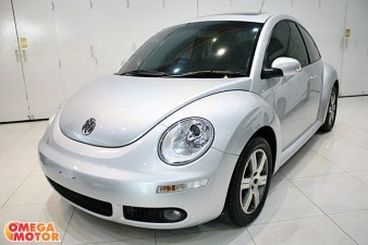 mobil bekas NEW VW BEETLE 2.0 SUNROOF AT (KM 8.000)