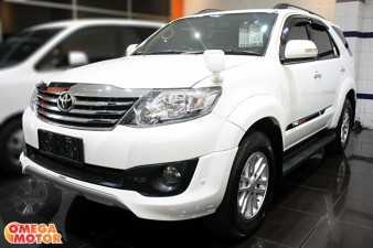 mobil bekas T. FORTUNER 2.7 G LUXURY TRD SPORTIVO AT NEW MODEL (KM 46.000)