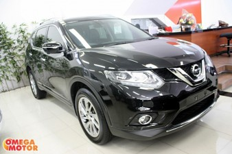 mobil bekas N. ALL NEW X-TRAIL 2.5 ST AT (KM 10.000)