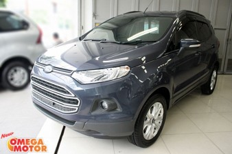 mobil bekas FORD ECOSPORT TREND 1.5L AT (KM 10.000)