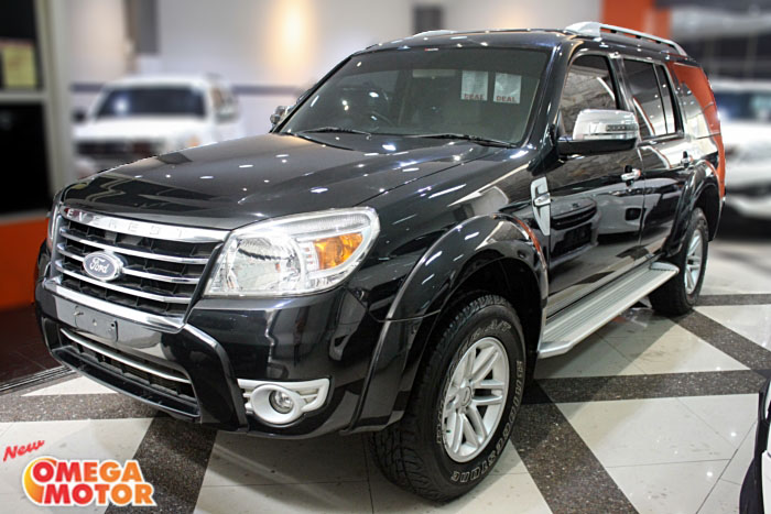 Omega Mobil FORD NEW EVEREST 2.5 XLT MT JOK KULIT (KM 70.000)