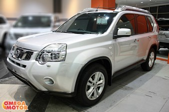 Omega Mobil N. ALL NEW X-TRAIL 2.5 XT URBAN MODEL AT (KM 45.000)