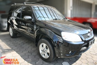 Omega Mobil FORD ESCAPE 2.3 XLT SUNROOF AT (KM 25.000)