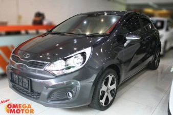 Omega Mobil ALL NEW KIA RIO 1.4 5 DOORS AT (KM 18.000)