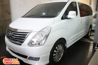 Omega Mobil HYUNDAI H1 2.4 DOHC ROYALE ELECTRIC SLIDING DOOR AT (KM 55.000)