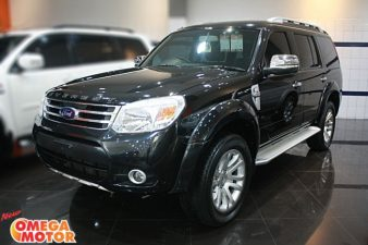 Omega Mobil FORD EVEREST 2.5 XLT LIMITED R18 PANEL WOOD DIESEL AT (KM 57.224)