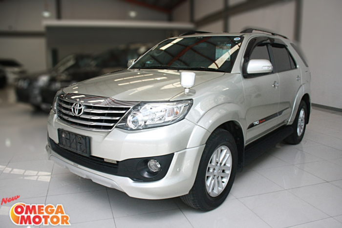 Omega Mobil T. GRAND FORTUNER 2.5 G TRD SPORTIVO NEW MODEL AT (KM 73.246)