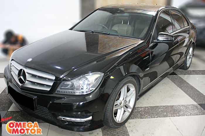 Omega Mobil MERCEDES BENZ C250 AMG FACELIFT AT (KM 33.000)