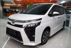 Omega Mobil T. VOXY (BABY VELLFIRE) 2.0 PANORAMIC AT (KM. 15.929)