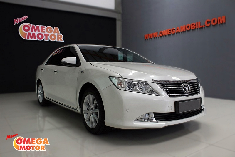 Omega Mobil T. ALL NEW CAMRY V 2.5 AT (KM 19.865)