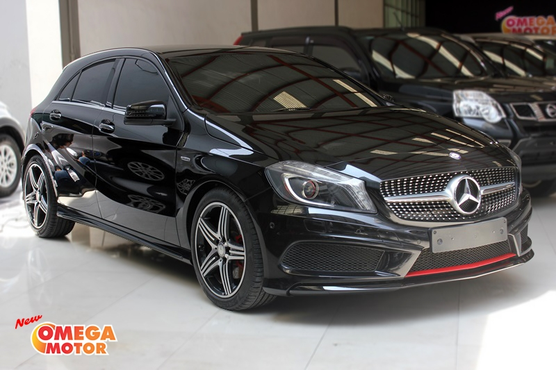 Omega Mobil MERCEDES BENZ A250 SPORT FACELIFT AT (KM 31.135)
