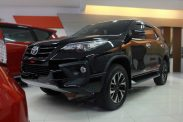 Omega Mobil T. ALL NEW FORTUNER VRZ TRD SPORTIVO 2.4 AT (KM 9.672)