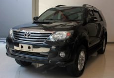 Omega Mobil T. FORTUNER 2.5 G VNT TURBO DIESEL AT (KM 66.143)