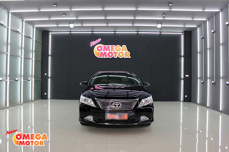 Omega Mobil T. ALL NEW CAMRY V 2.4 AT (KM 27.151)