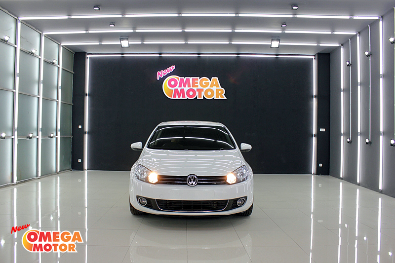 Omega Mobil VW GOLF 1.4 TSI AT (KM 45.001)