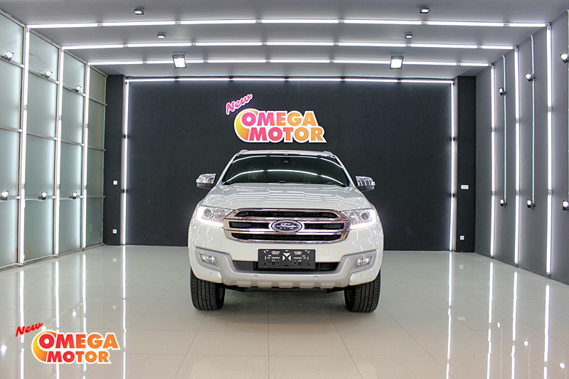 Omega Mobil ALL NEW FORD EVEREST TITANIUM 2.2 PANORAMIC SUNROOF AT (KM 5.775)