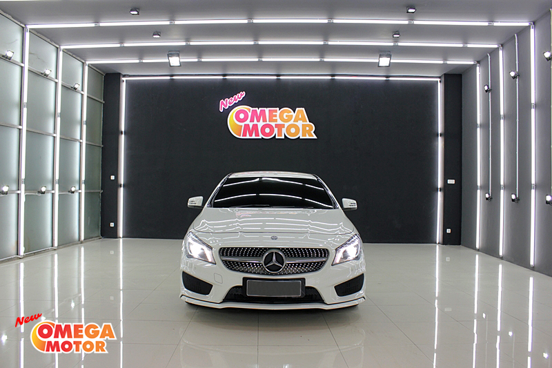 Omega Mobil MERCEDES BENZ CLA 200 AMG SPORT AT (KM 42.882)