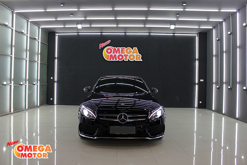 Omega Mobil MERCEDES BENZ C200 AMG LINE AT (KM 14.505)